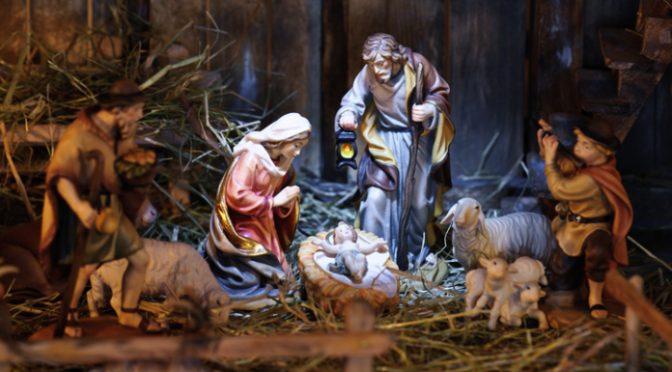 više od 500 božićnih čestitki s početka prošlog stoljeća